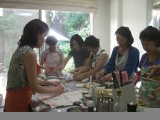 プロの味が楽しめるデモストレーション式のお料理教室