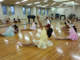 春日部市にあるバレエ幼児クラス(金曜日)