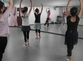 春日部、八木崎にある大人から始めるバレエ教室(金曜日)
