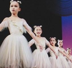 春日部市内、八木崎駅にあるバレエ教室児童科B