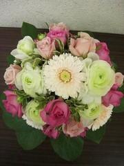 フラワーアレンジメント【生花アレンジコース】     (体験レッスン90分、webにて受付中)