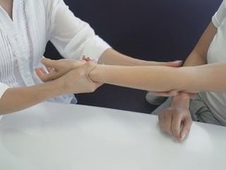 【3時間でディプロマ取得】介護にも役立つハンドトリートメント講座