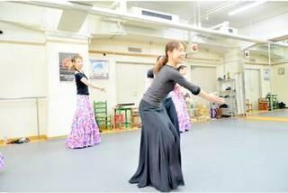 【土曜:12時半〜】『初めての方の入門クラス』(90分)【フラメンコとスペイン古典舞踊が習える】