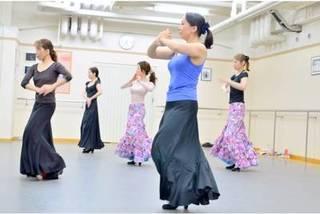【木曜:12時15分~】『初めての方の入門クラス』(90分)【フラメンコとスペイン古典舞踊が習える】
