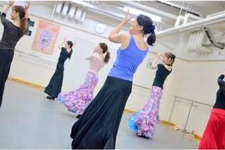 【火曜:12時半〜】『初めての方の入門クラス』(90分)【フラメンコとスペイン古典舞踊が習える】