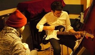 エレキギターでオリジナルプレイを目指そう!!!   (ギターコース)
