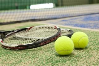 インターナショナルスポーツ&nbspパール・テニススクウェア