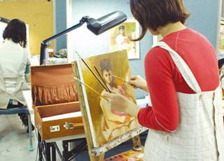 毎日夜9時30分まで、自由に通える絵画コース