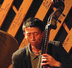 ウッドベースでジャズを奏でみよう!初心者でも安心!