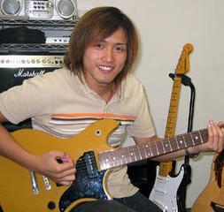 個人レッスン・自由予約制のギターレッスン!初心者でも安心して基礎から学べます。