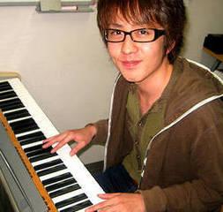 ジャズ・ピアノを弾いてみたいあなたに!個人レッスンで初心者でも安心