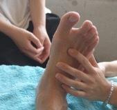押す力は、指の力だけではありません。足裏を基礎からしっかり学ぶ【足裏反射区療法コース】