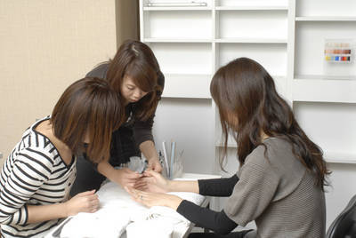 PRESS NAIL salon&school