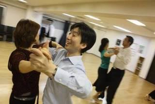 楽しい社交ダンスグループレッスン 中級