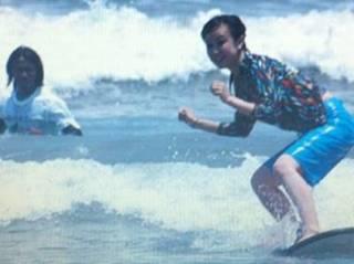 サーフィンデビュー 1日で必ず立てるサーフィンスクール