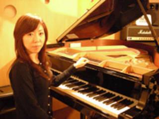 コードを覚えて楽しく簡単に好きな曲を弾こう!ピアノレッスン!