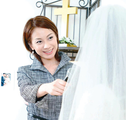 【ブライダル司会者】養成講座:現役司会者に学ぶ!結婚・出産後も続けられる専門職です!