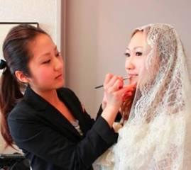 指名されるブライダルのヘアメイクアーティストを目指す!