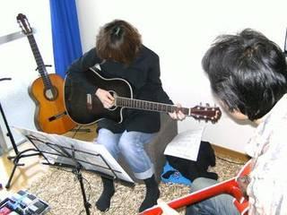 初心者から経験者まで!アコースティックギターコース