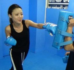 【世界中で人気急上昇】初心者、未経験者大歓迎☆プロの格闘家に教えてもらえる格闘技エクササイズ