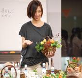 12月22日(木) 新年の日本酒を華やかに彩る、フラワーアレンジ講座