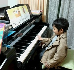 【ピアノ・エレクトーン】全身を使って、音を楽しむ♪/6,000円~