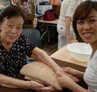 【介護アロマケアセラピスト養成講座】福祉施設や医療系施設への導入などに。【メディカルアロマセラピー】