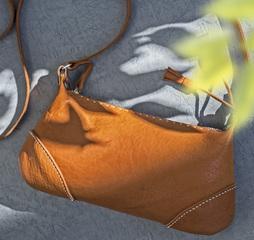 「レザークラフト講座」特別体験レッスン 「ミニショルダー」を特別価格6,480円にて!