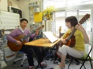ジャズギターの理論、実技が系統立てて学べます。個人レッスン制(T...