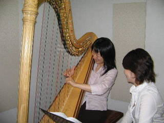 青山ハープ(株)ハープ教室