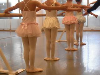 【幼児向け|プレバレエ】3歳~5歳のお子さま向けのバレエレッスンで...