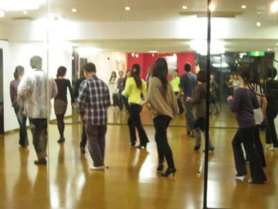 DANCE studio W(ダンス スタジオ ダブル)