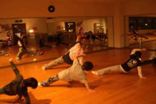 dancing base zenith 岐阜校