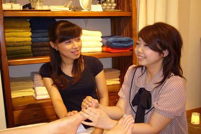 ブルームーンセラピストスクール(日本リラクゼーション認定協会)