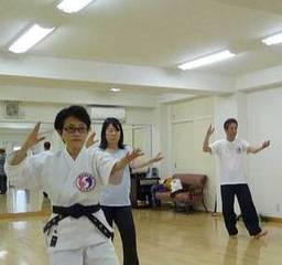 太極拳で健康キレイ 千代田区【初心者からスタートできます!】(放松...