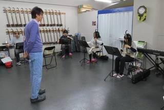 【中級コース】甘建民(二胡奏者)に学ぶ!二胡教室♪二胡をもっと楽し...