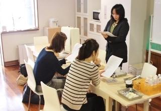 HCA資格取得講座☆1ヶ月~6ヶ月(通学コース):お肌・スキンケア・化粧品についてしっかり学びます!