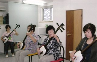 慰問演奏活動(吉田孝しゅう民謡・津軽三味線教室 札幌・月寒東教室)