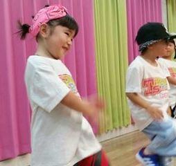 <幼児 3歳以上(年少〜年長)クラス>はじめてのダンス☆恥ずかしがり屋さんも踊れるようになります♪