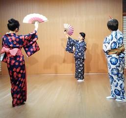 初めての日本舞踊と浴衣着付け 体験レッスン(藤間紫寿香 舞踊教室 ...