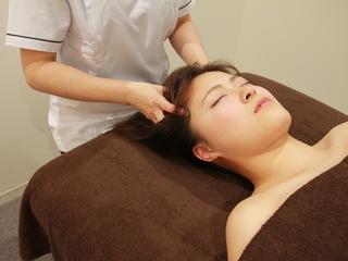 ◆疲れないヘッド技術で頭痛解消◆ オイルは不要【スリランカ式ヘッドマッサージ技術体験】5,400円